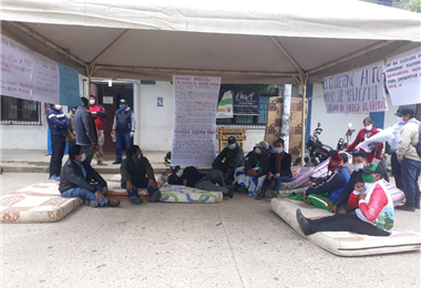 Nueve personas entraron en huelga en Yapacaní. Foto. Soledad Prado