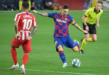 Lionel Messi marcó este martes un gol histórico en su carrera, aunque su equipo no pudo ganar. Foto: AFP