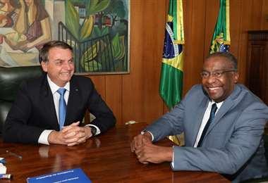 Bolsonaro con su ministro designado. Foto AFP