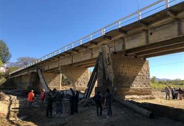 Puente San Martín a punto de desplomarse