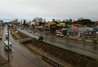 Santa Cruz soporta el descenso de temperatura. Foto. EL DEBER