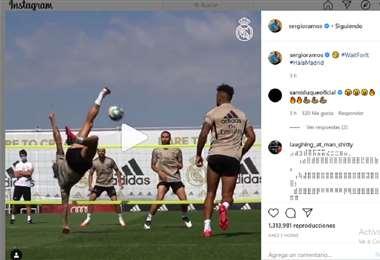 Sergio Ramos hizo una bonita jugada durante la práctica. Foto: Captura de pantalla