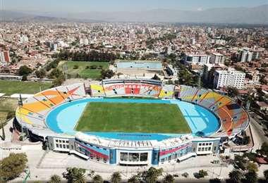 El estadio Félix  Capriles de Cochabamba, una alternativa para jugar lo que resta del Apertura si se elige una sola sede. Foto: internet