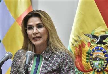 La mandataria anunció la reducción de tres Ministerios. Foto APG