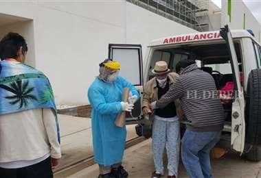 Los pacientes fueron traspasados del hospital Alfonso Gumucio /Foto: Juan C. Fernández