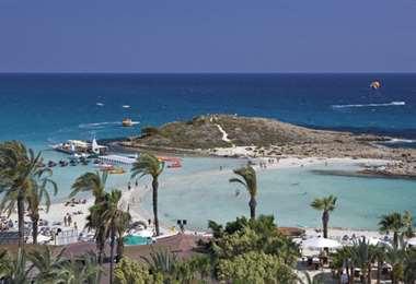 Chipre se compromete a cubrir los gastos de los turistas que se contagien de coronavirus