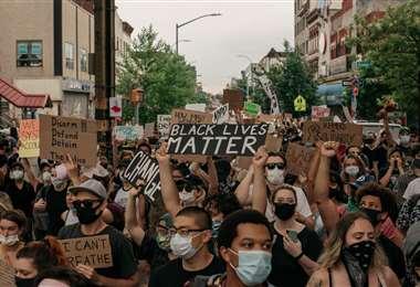 Temen que las protestas hagan rebrotar la enfermedad. Foto AFP