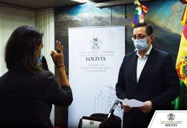 Marion fue posesionada por el ministro de Desarrollo Productivo, Óscar Ortiz.