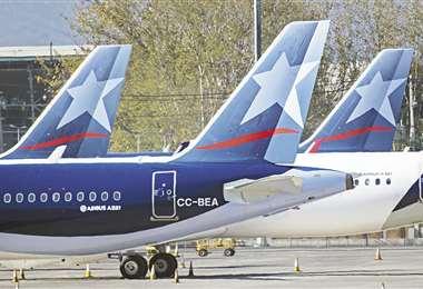 Latam Airlines. Registra pérdidas por $us 2.120 millones en el primer trimestre por la pandemia del Covid-19. Foto: AFP