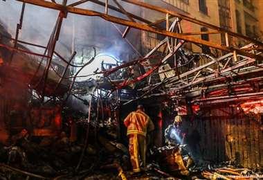 Incendio causa al menos 19 muertos