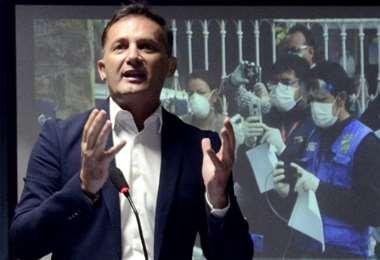 Fernando López ahora también es Ministro de Salud interino. Foto: ABI