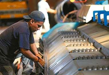 Las ventas del sector manufacturero están en mal momento/Foto: EL DEBER