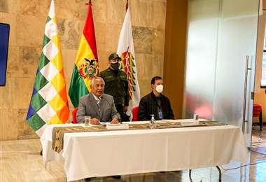 El ministro Cárdenas anuncia que nadie se aplazará.