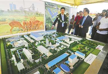 En 2019 autoridades chinas presentaron un maqueta del proyecto/Foto: EL DEBER