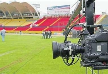 La transmisión del fútbol le genera un importante ingreso económico a los clubes. Foto: internet