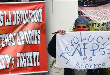 En Santa Cruz un grupo de aportantes a las AFP se encuentran en huelga de hambre pidiendo la devolución de su dinero (Foto: Ricardo Montero)