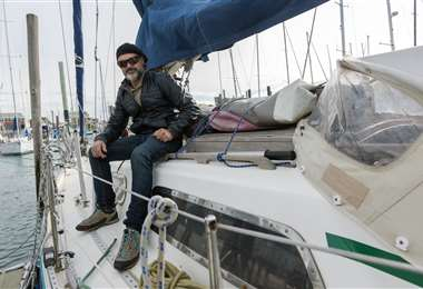 Ballesteros en su velero. Foto AFP