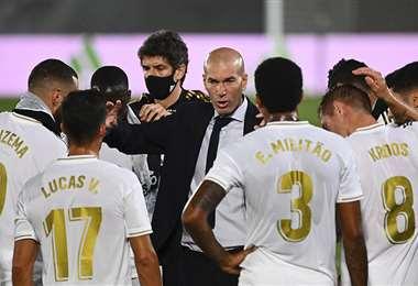 Los jugadores del Real Madrid y Zinedine Zidane pueden celebrar un nuevo título este jueves. Foto: AFP