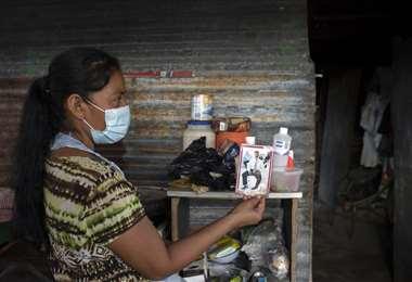 Un calvario para esta mujer salvadoreña. Foto AFP