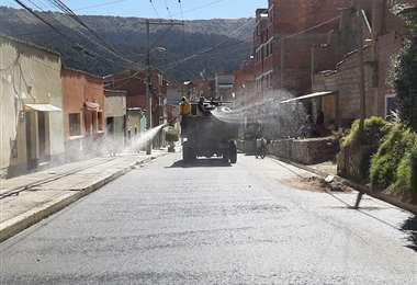 Fumigación en los barrios de la ciudad de La Paz.