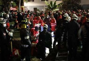 Hubo masiva movilización de rescatistas para tratar de salvarlo. Foto El Comercio
