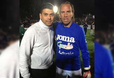 José 'Pepe' Loayza, junto al exarquero Carlos Fernando Navarro Montoya. Foto: Internet