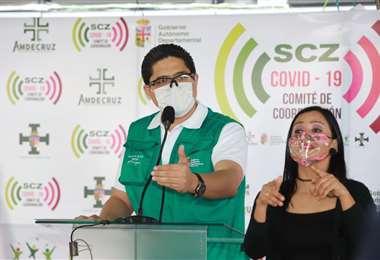 Marcelo Ríos, en plena conferencia desde el COED (Gobernación)