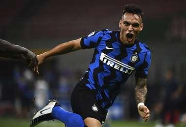 El festejo del argentino Lautaro Martínez, que este aportó con goles al triunfo del Inter. Foto: AFP