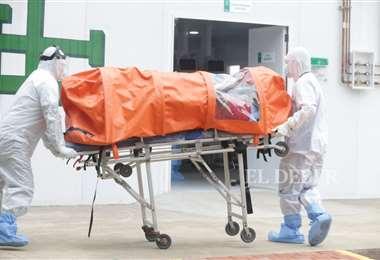 Llega paciente al domo 1/Foto: Fuad Landívar