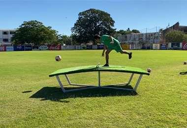 El TeqBall es un juego que se practica mucho en el fútbol brasileño. En Oriente ya hicieron ensayos. Foto: club Oriente Petrolero