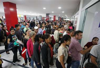 Las oficinas del Segip son centro de gran afluencia /Foto: Jorge Gutiérrez