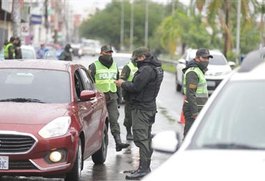 Transporte privado y del servicio público fue liberado después de 100 días por la pandemia. Foto. Jorge Gutiérrez