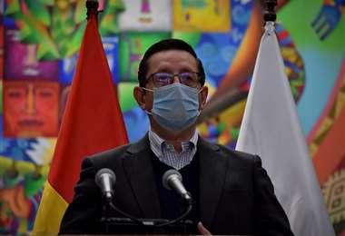 El ministro de Economía, Oscar Ortiz, dijo que Bolivia en poco tiempo ha conseguido más de $us 1.500 millones para enfrentar la crisis/Foto: APG Noticias