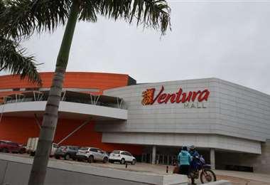 En Ventura Mall sus locales comerciales están con diversas ofertas a precios de descuento/Foto: Ricardo Montero