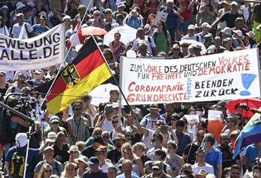 Los manifestantes aluden que las restricciones limitan las libertades individuales
