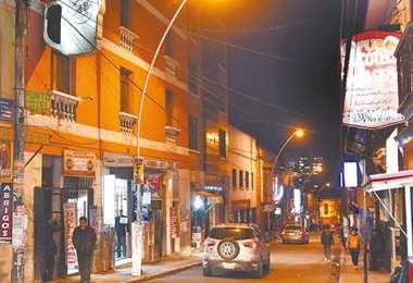 En la calle Murillo, zona  central, existen muchos locales que se mantienen cerrados