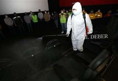 Las salas de cines adoptaron medidas de bioseguridad para volver a operar/Fuad Landivar