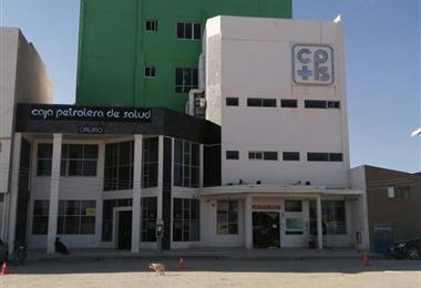 Los pacientes de la Caja Petrolera de Oruro esperan la llegada de más oxígeno