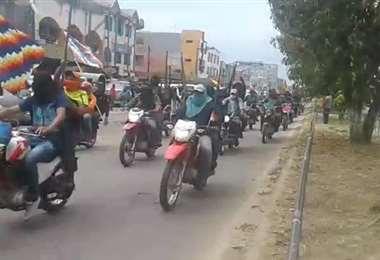 Motoqueros armados en Yapacaní