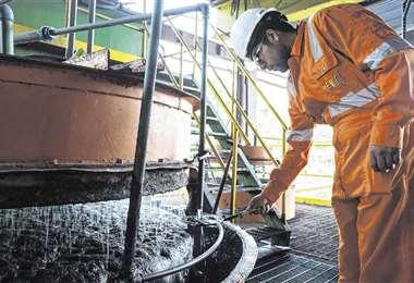 El 45% de las exportaciones del país son del sector minero/Foto: EL DEBER