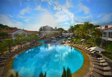 Área de la piscina del hotel Los Tajibos donde se desarrollarán varias actividades del programa Vida plena