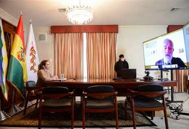 La Presidenta Áñez participó del encuentro de Economistas organizado por el BCB.
