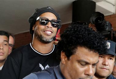 Ronaldinho complica su situación jurídica
