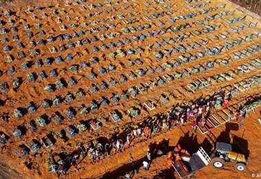 Brasil, con 3,2 millones de contagios y 106.500 muertos es el país más afectado de la región