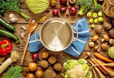 La OMS asegura que los alimentos no son fuente de contagio del coronavirus, pero que deben ser manipulados con mucha higiere