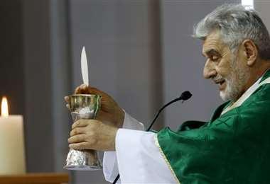 Sergio Gualberti oficializó la misa dominical. Foto: R. Montero