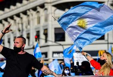 Miles salieron a las calles el lunes. Foto AFP