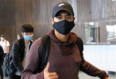 Antonio Bustamante llegó a Santa Cruz y de inmediato se sumó a la concentración de la selección. Foto: Prensa FBF