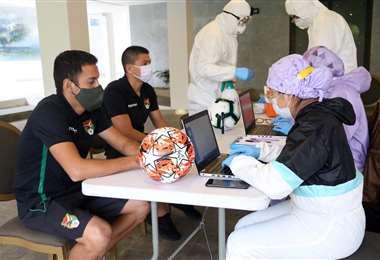 Los jugadores cumplen con estrictas medidas de bioseguridad. Foto: Prensa FBF