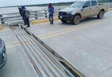 La separación de una parte del puente generó preocupación entre los conductores